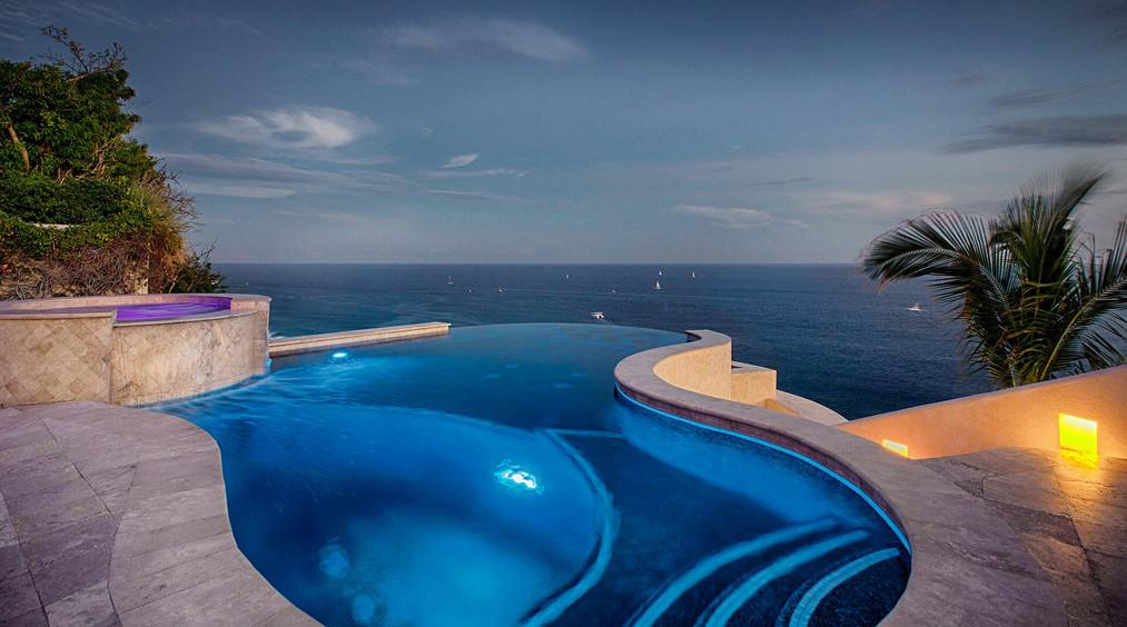 Villa Buena Vida Night Pool
