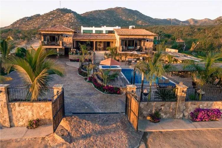 Villa Finca Del Tezal, naay travel, cabo villas, villas in cabo, cabo luxury villas, cabo experiences, bespoke cabo experiences1