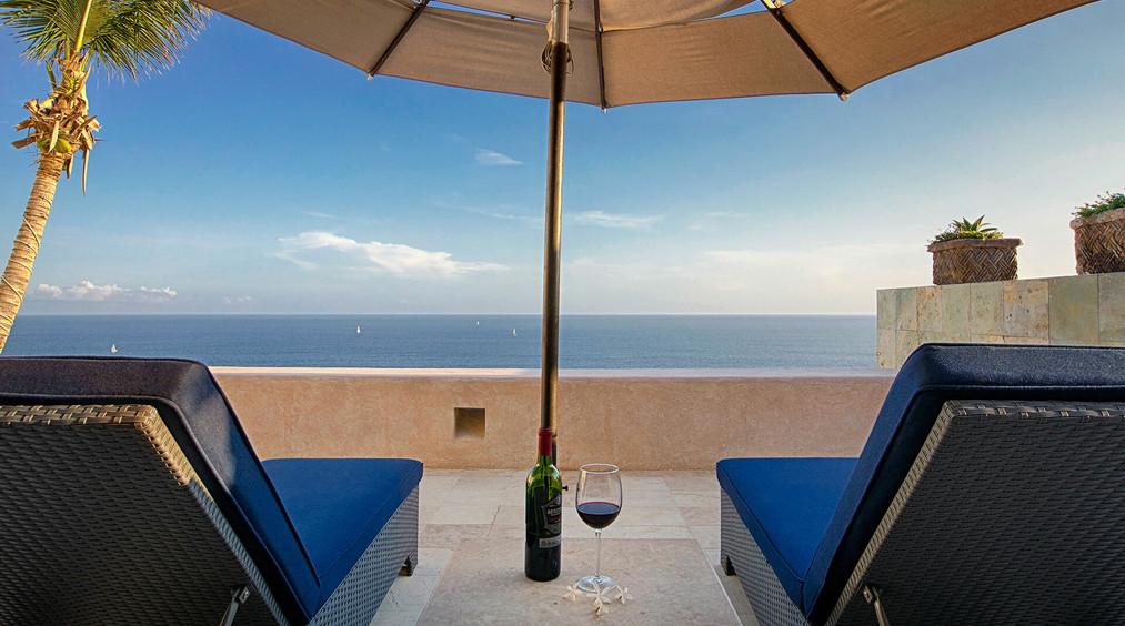 Villa Buena Vida Lounge Chairs