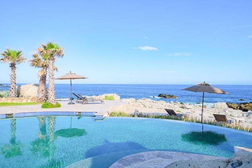 Villa Las Arenas Pool & Beach.jpg