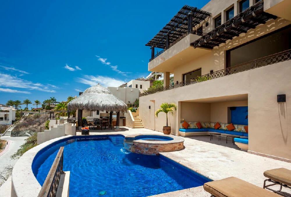 Villa Sebastian pool 1.webp