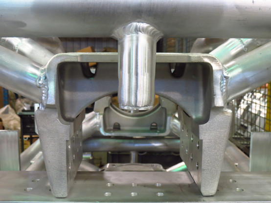 Soudage d'un support électrique en aluminium