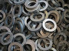 Rondelles d'acier découpées au laser