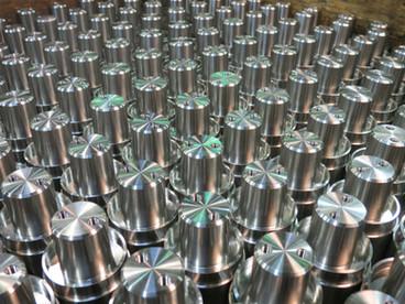 Usinage sur tour de pièces en acier inoxydable