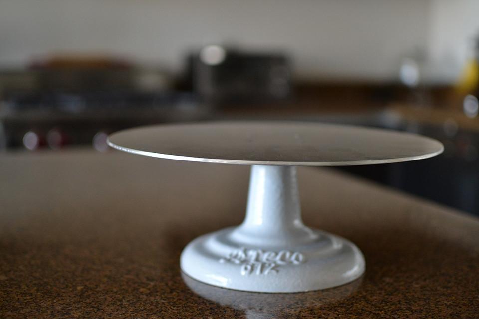 ateco-revolving-cake-stand.jpg