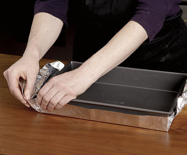 051105091-01-foil-lined-pan_xlg.jpg