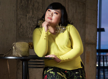 La asiática Scarlett Hao a puro color