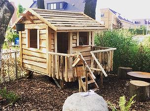 houten speelhuis