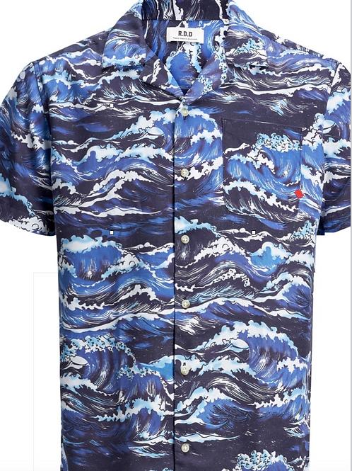 Short sleeve wave resort shirt