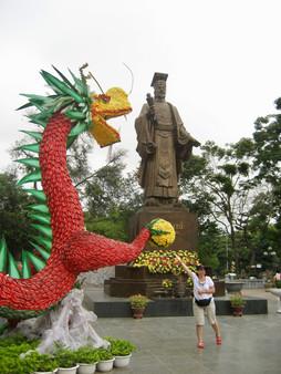 0417 King Le Thai To (1)