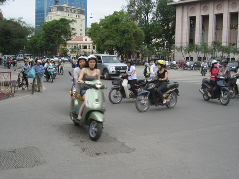 0417 Hanoi Traffic (1)