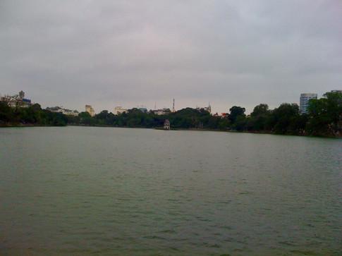 0417 Hoam Kiem lake
