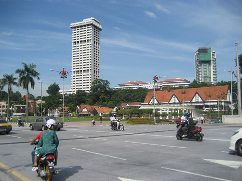 0415 Indepence Square (3)