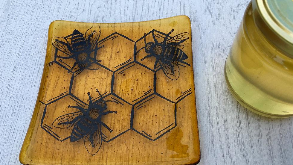 Large honey bee dish