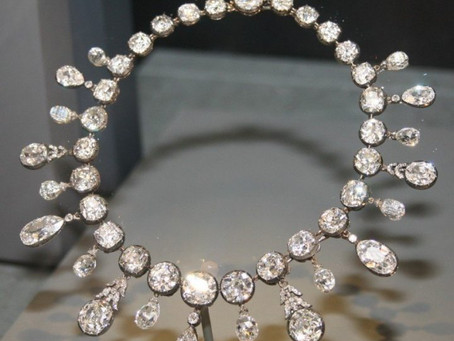 Why is the red carpet obsessed with Harry Winston?