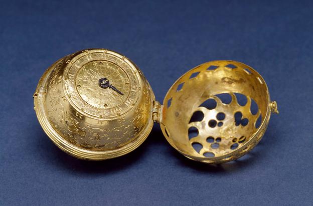 Antique timepiece c. 1530