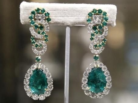 Lorraine Schwartz is a jewelry boss!