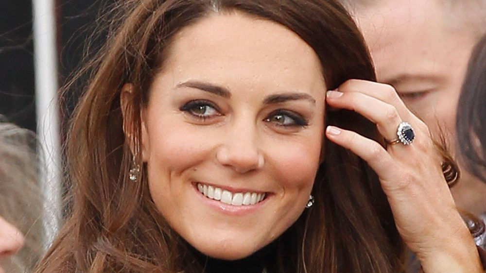 Kate with her exquisite ring in 2015 (image courtesy of Max Mumby, Getty Images)