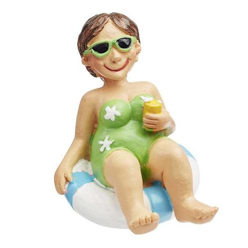 Bade Urlauberin im Schwimmreif 6cm