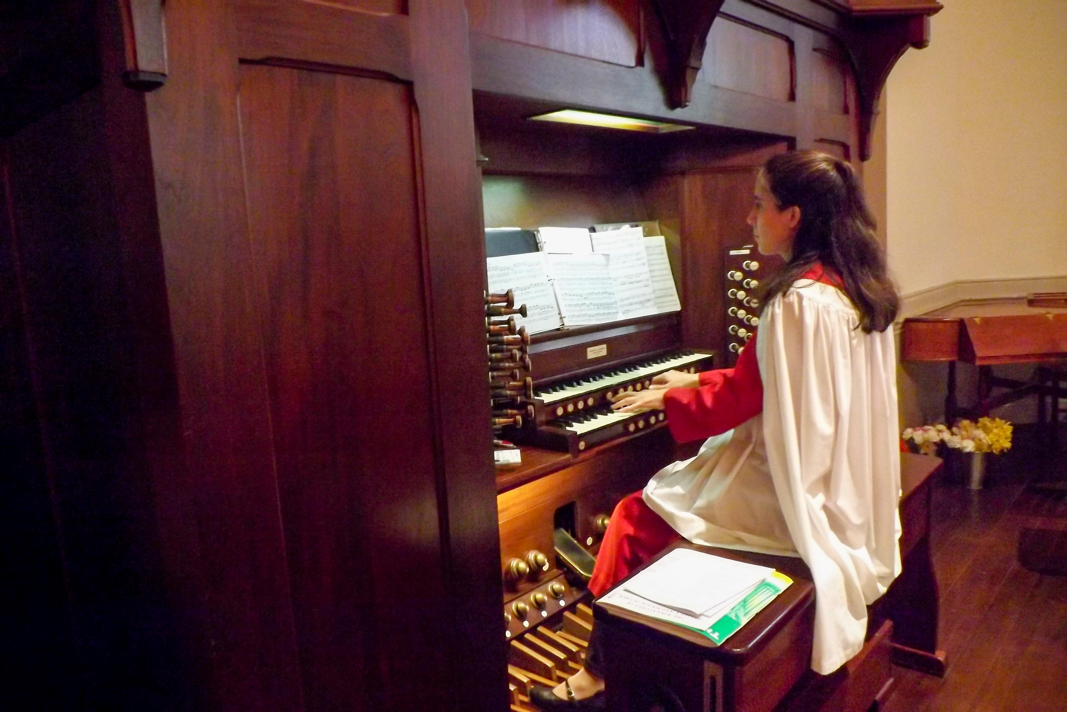 organist