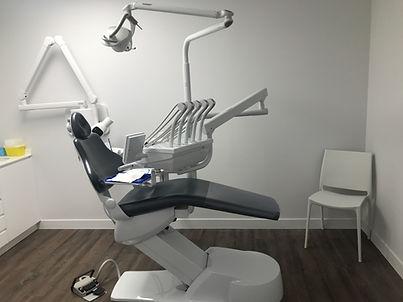 fauteuil_centre_dentaire_pyrénées.JPG