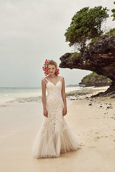 BHLDN_Wedding_Dress_and_Headdress_Zanzibar_Beach_Photography_Whispers_and_Echoes_Photographer_Alistair_Taylor_Young_Produced_By_Kent_&_Co_Productions