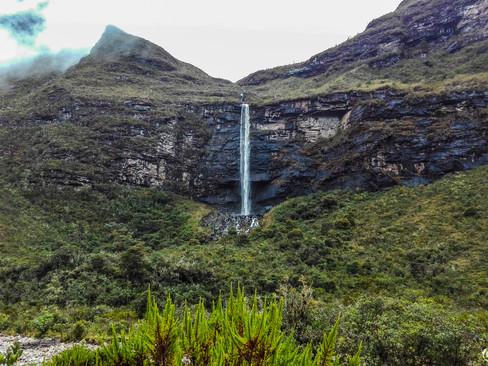 Cascada en Ratón, camino a Bachira.