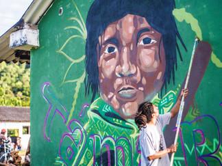 CUWA_8Pintando el Mural.jpg