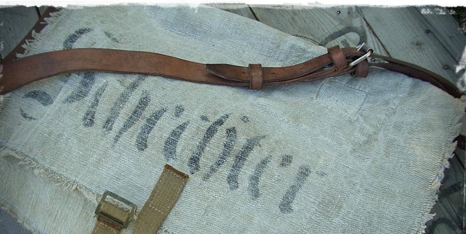Tasche aus antikem Leinen mit Leder