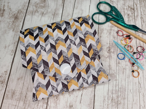 Pop Up Pouch - Black and Gold Herringbone
