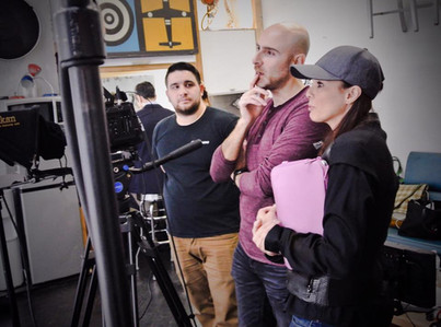 Elaine Del Valle directs a commercial.jp
