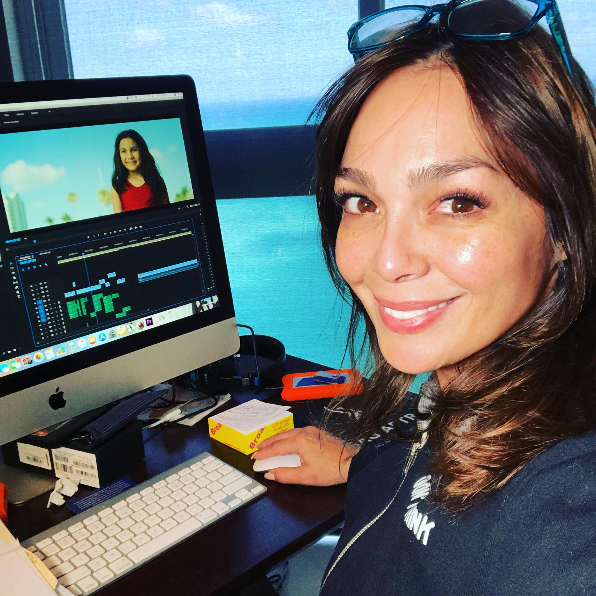 Me 3.769, Director, Elaine Del Valle