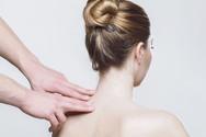 Bowen® hilft bei Schmerzen der Halswirbelsäule