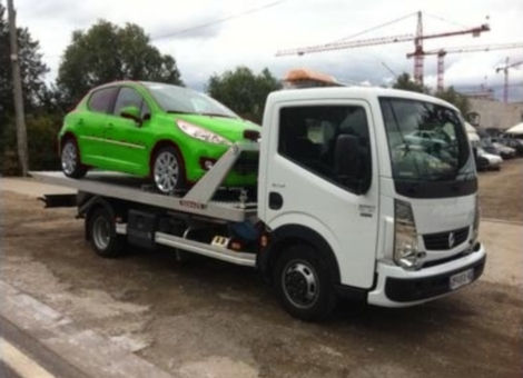 Camion pour enlèvement d'epave - Epaviste agréé, Ferrailleur Auto, mettre voiture à la casse à Lyon, Villeurbanne, Venissieux et dans Rhône, Loire, Isère, Ain