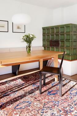 Esstisch mit Schublade