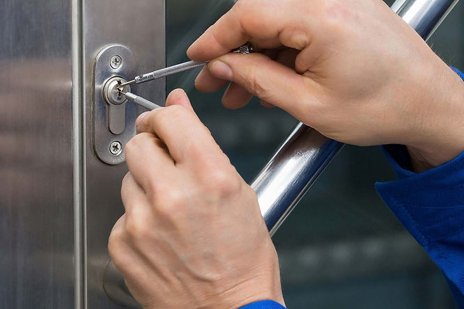 Locksmith Service Call Calgary Lock & Sa
