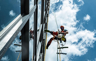 HIGH RISE WINDOW CLEANING CALGARY