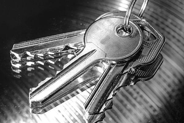 Keys%20Calgary%20Lock%20and%20Safe_edite