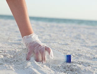 Het strand schoonmaken