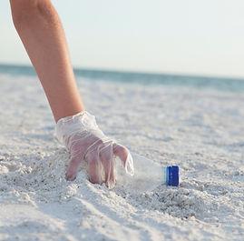 ビーチの清掃