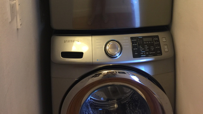 Q - Large Washer and Dryer