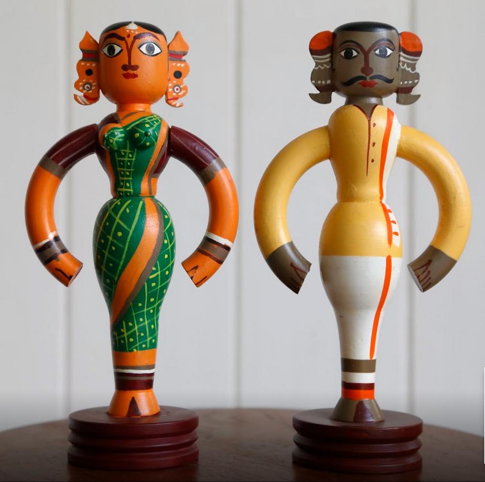 brinquedos artesanais produzidos em Channapatna, Índia