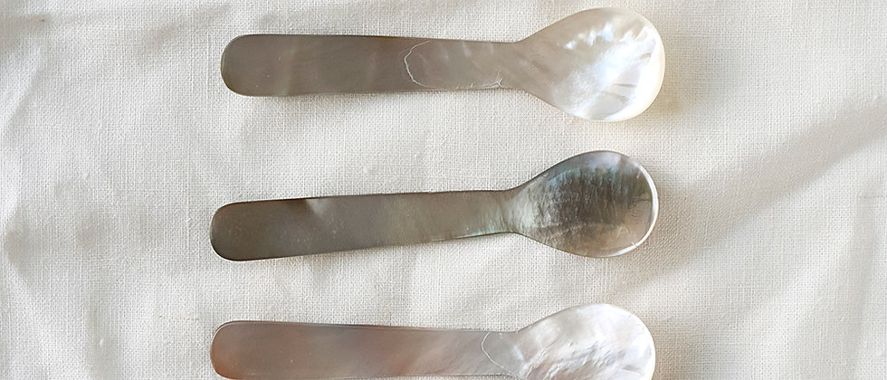 Mother of Pearl Black Small Spoon