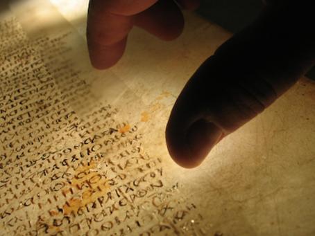 Argument obsolète, quantité de manuscrit du NT vs divers sources historiques