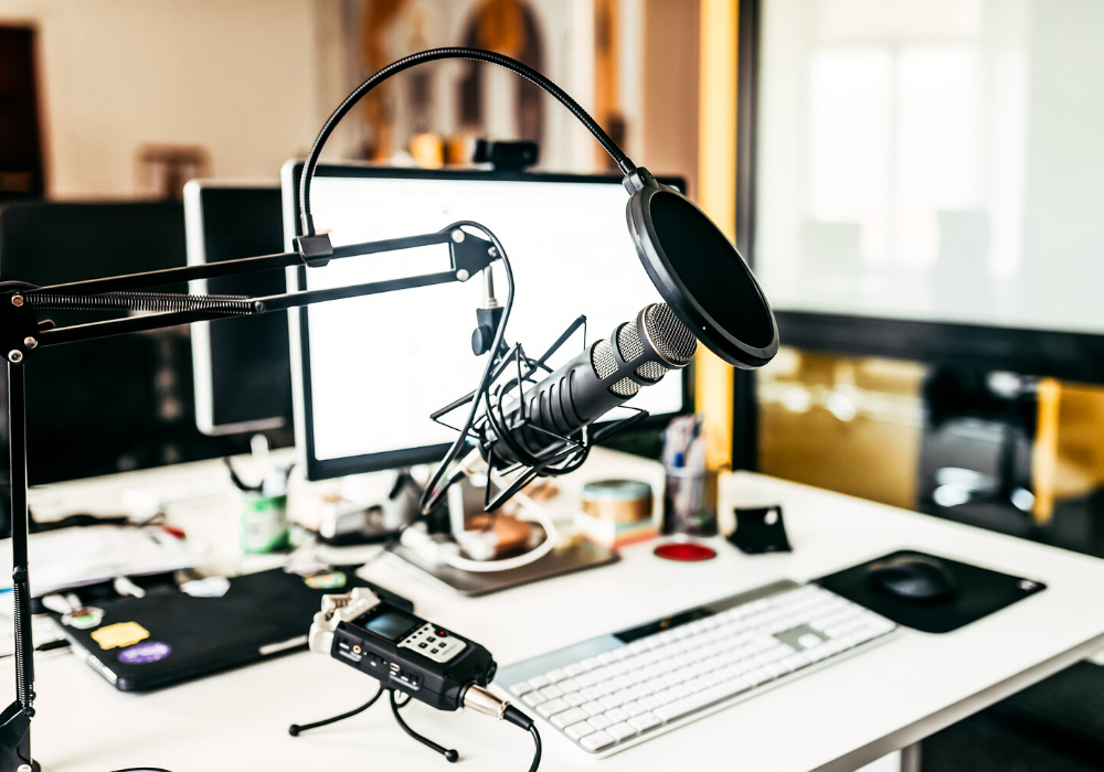 podcast microphone and recording equipment