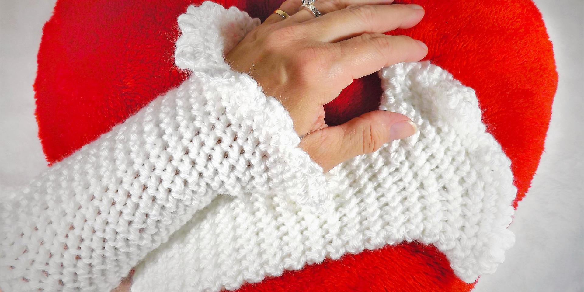 White bridal wristlets