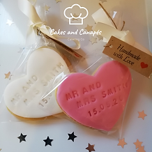 Wedding Favour Biscuits Heart.png