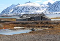 Ny-Anesund hut