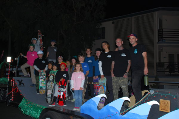 keen ramps skate kids go to the belmont shore christmas parade skateboard ramps rails half pipes boxes mini ramps long beachca