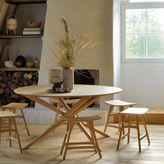 50545 Oak Mikado round dining table & 53